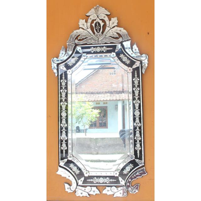 Venetian mirror black mg 013045 venetian wall mirror for Black venetian mirror