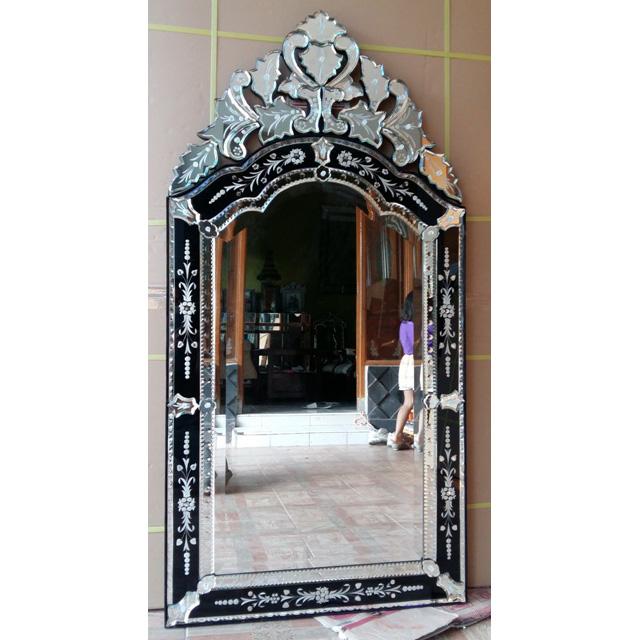 Venetian mirror black mg 013058 venetian wall mirror for Black venetian mirror