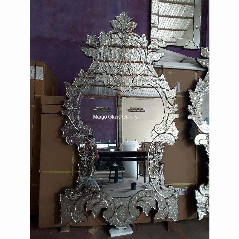 venetian edge Mirror style