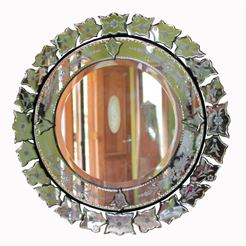 Venetian mirror round