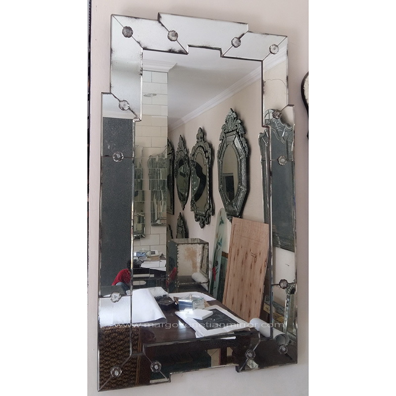 This Mirror Could Look Ugly And Old Fashioned But In This: Venetian: Antique Wall Mirrors Will Give You Different
