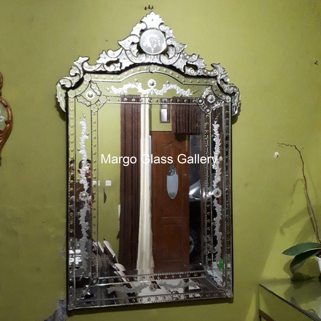 Rug Venetian Mirror