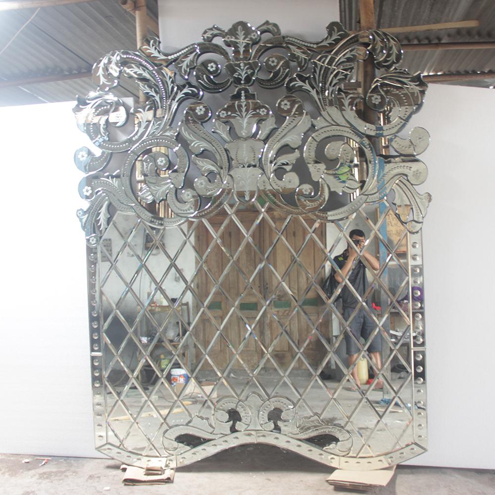 Venetian Glass Clasic