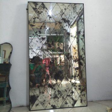 Distressed Wall Mirror Diagonal