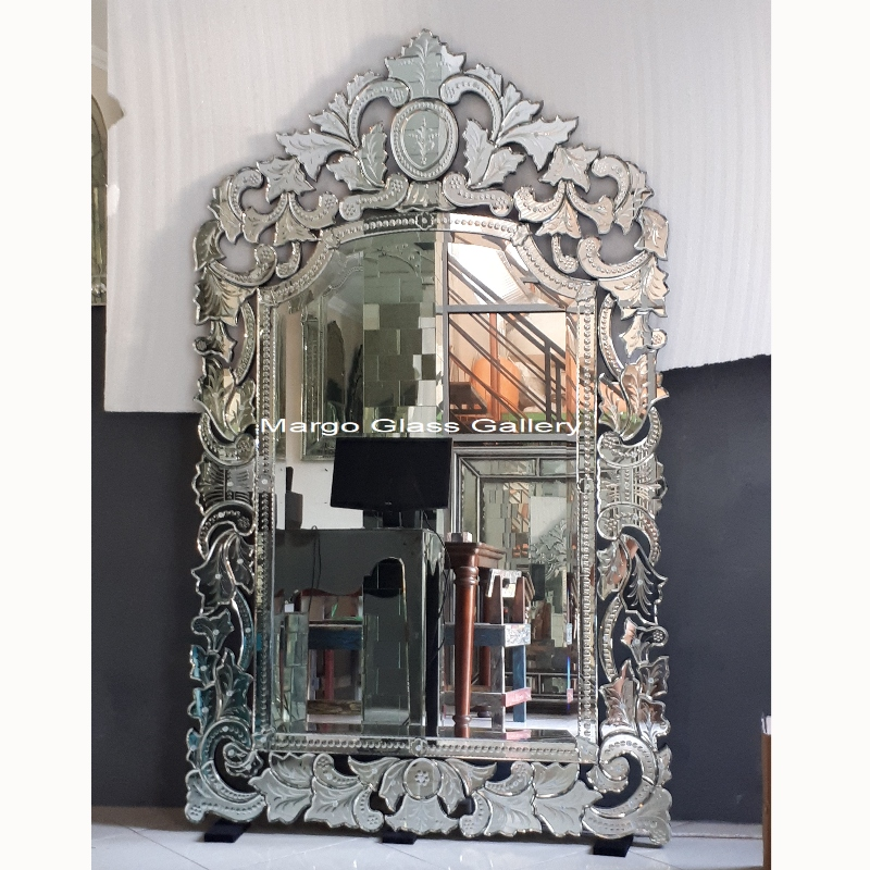 Venetian Wall Mirror Full Crown
