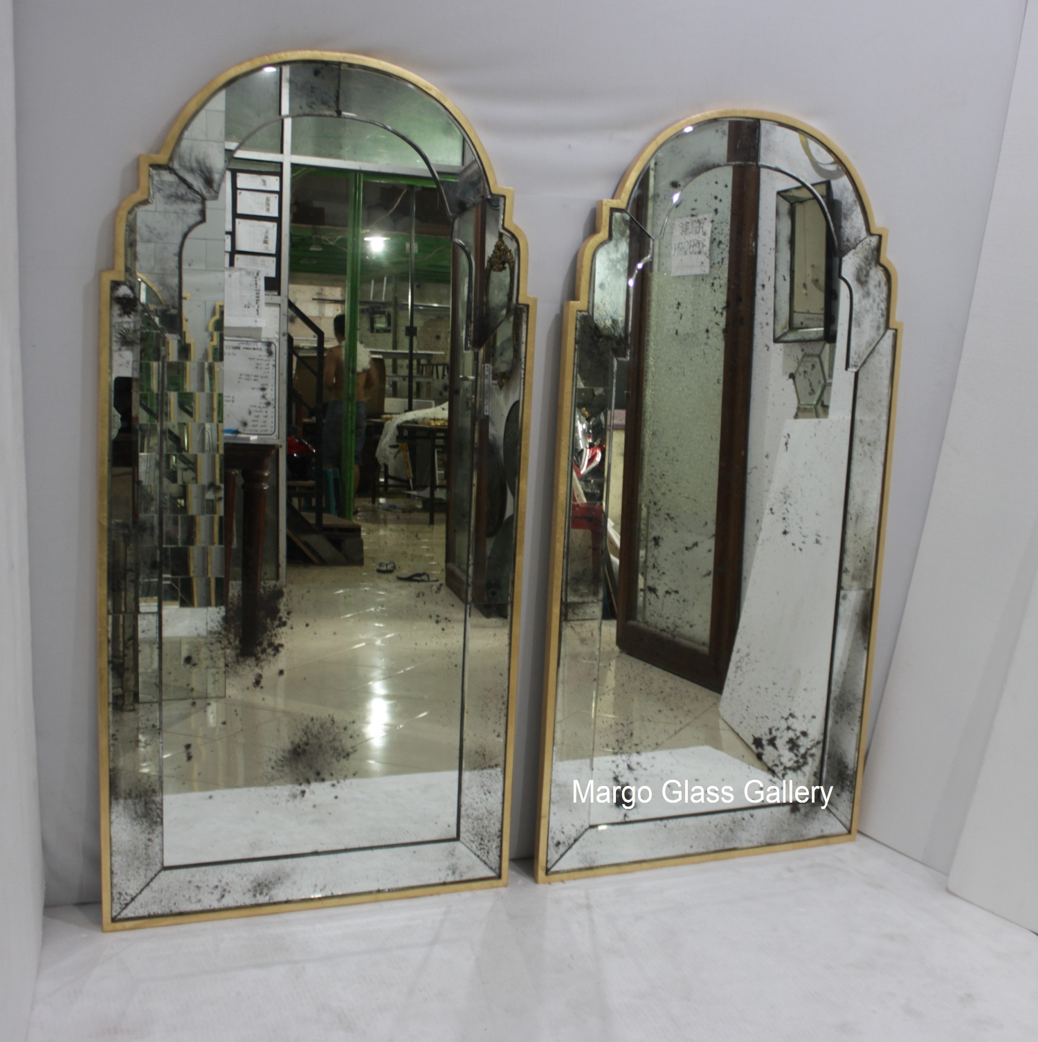 Round Rugs Mirror