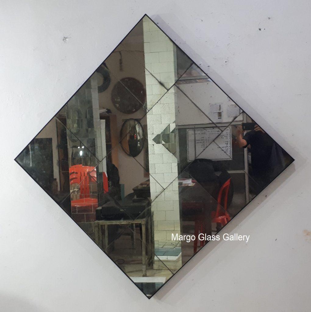 Mercury wall mirror square