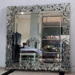 MG 080065 Venetian Mirror