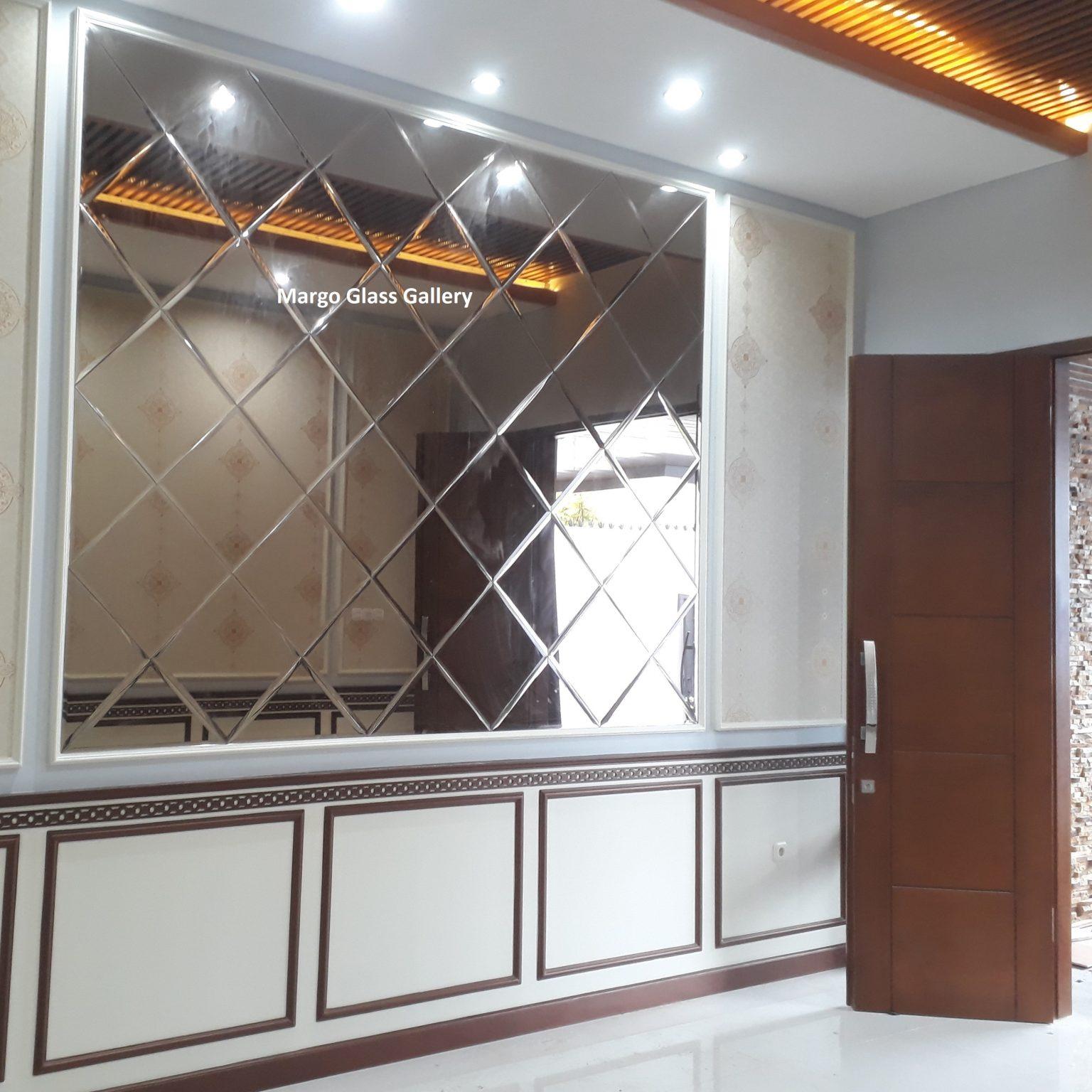 MG 065014 Cermin Dinding Bevel Brown Wajik
