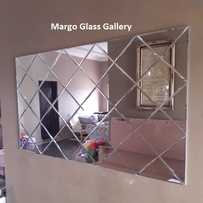 MG 065015 Wall Mirror