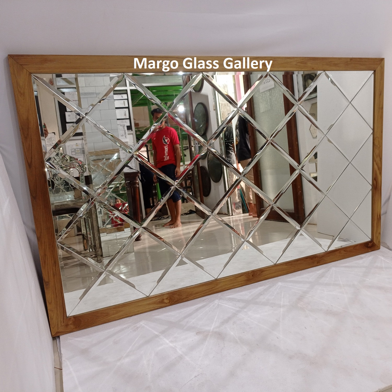 MG 065017 bevel mirror wajik frame jati natural